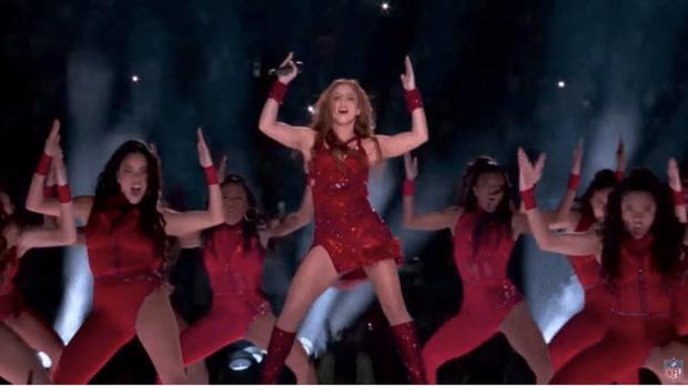 Cát-xê bằng 0, mất 6 tuần chuẩn bị, trang phục 2 triệu viên pha lê và còn nhiều sự thật hết hồn về sân khấu đỉnh cao của Shakira và Jennifer Lopez tại Super Bowl - Ảnh 7.