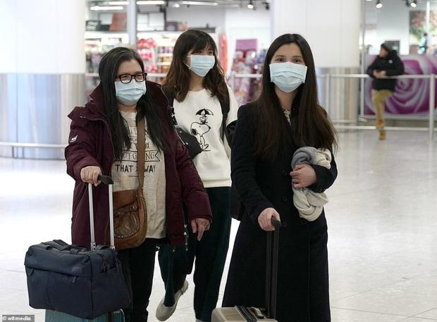 Bộ Y tế công bố 4 con đường lây nhiễm chính của virus Corona - Ảnh 3.