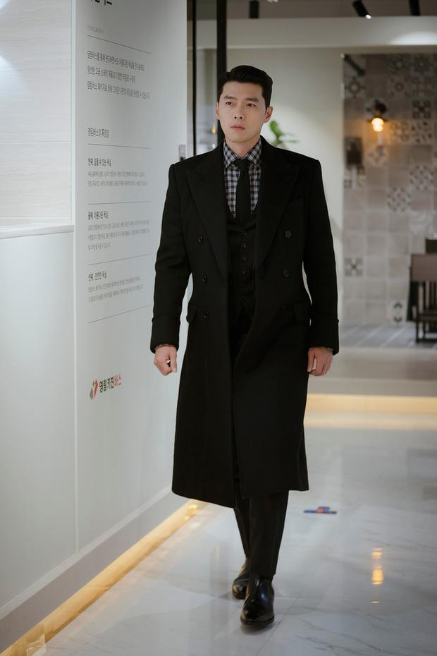 Muốn lịm đi mỗi lần Hyun Bin diện vest cực bảnh trong Hạ Cánh Nơi Anh, lỡ mai này rời xa thì Son Ye Jin biết sống sao? - Ảnh 4.