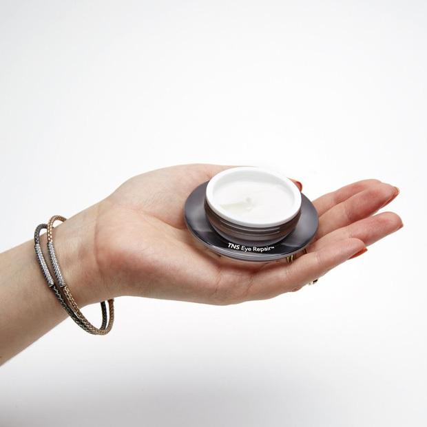5 loại kem mắt giá từ 230k đánh bay quầng thâm và nếp nhăn bạn nhất định nên biết tới - Ảnh 4.