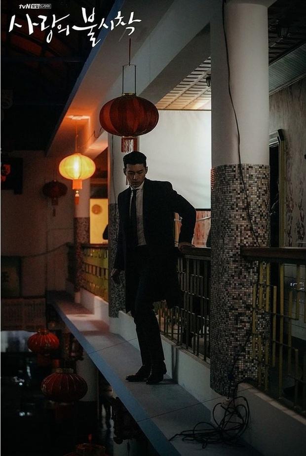 Muốn lịm đi mỗi lần Hyun Bin diện vest cực bảnh trong Hạ Cánh Nơi Anh, lỡ mai này rời xa thì Son Ye Jin biết sống sao? - Ảnh 6.