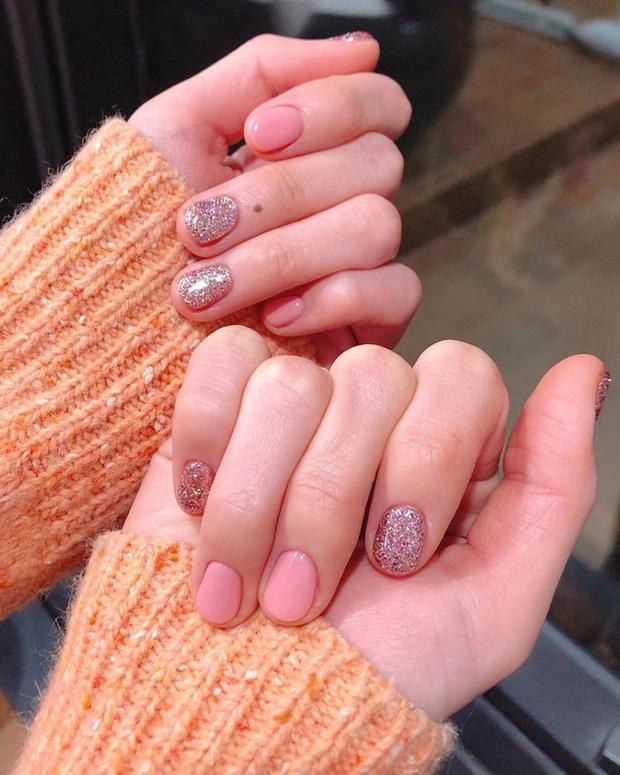 Gợi ý 14 bộ nail xinh hết cỡ cho dịp Valentine các nàng nên lưu lại để triển dần - Ảnh 8.