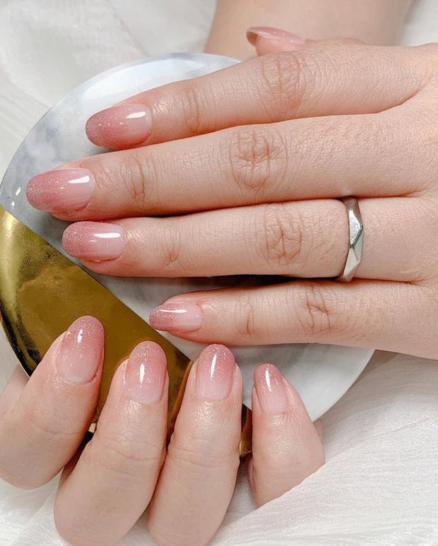 Gợi ý 14 bộ nail xinh hết cỡ cho dịp Valentine các nàng nên lưu lại để triển dần - Ảnh 10.