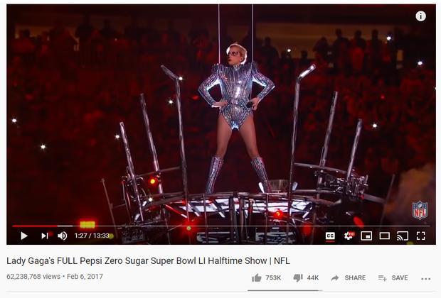 Sân khấu Super Bowl của Shakira và Jennifer Lopez đã vượt 100 triệu view sau 4 ngày, vượt xa Lady Gaga, Beyoncé hay Justin Timberlake... - Ảnh 7.