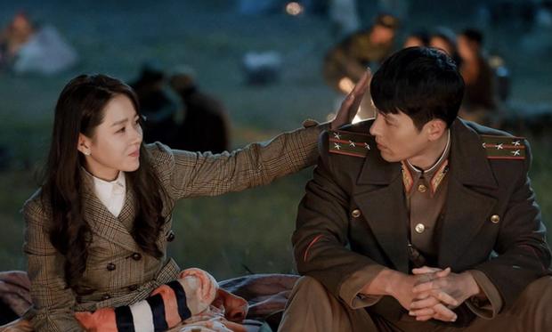 Hyun Bin đúng là hoàn hảo: Đến giọng hát cũng ấm áp ngọt lịm, cân từ nhạc phim mình đóng đến Shallow đình đám của người ta! - Ảnh 1.