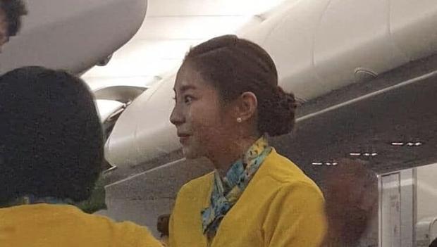 Nam thần iKON và mỹ nhân UEE gây bão vì tình cờ được bắt gặp làm tiếp viên hàng không, nhan sắc ngoài đời là tâm điểm - Ảnh 4.