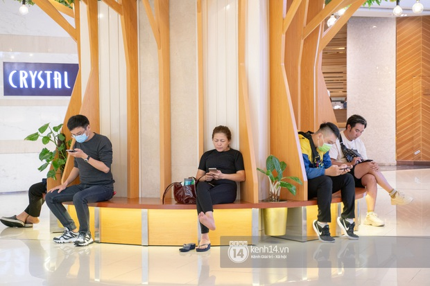 Sài Gòn: Loạt trung tâm thương mại đình đám vắng hoe trong những ngày dịch virus Corona, đi tới đâu cũng thấy… khẩu trang hiện diện - Ảnh 11.