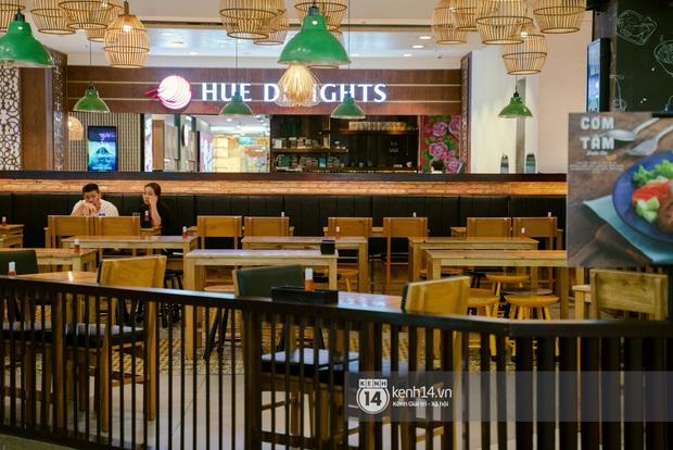 Sài Gòn: Loạt trung tâm thương mại đình đám vắng hoe trong những ngày dịch virus Corona, đi tới đâu cũng thấy… khẩu trang hiện diện - Ảnh 18.