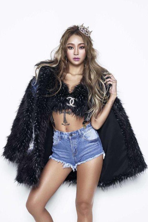 Biểu tượng sexy của Kpop gọi tên Hyuna, Hwasa (MAMAMOO) và loạt idol nữ: đều sở hữu body bức người, thần thái không chê vào đâu được - Ảnh 10.