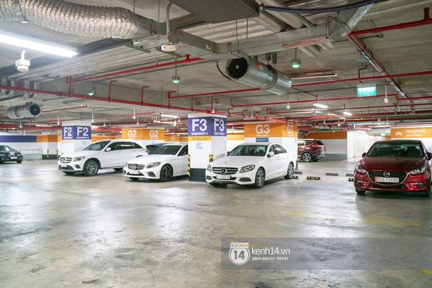 Sài Gòn: Loạt trung tâm thương mại đình đám vắng hoe trong những ngày dịch virus Corona, đi tới đâu cũng thấy… khẩu trang hiện diện - Ảnh 28.