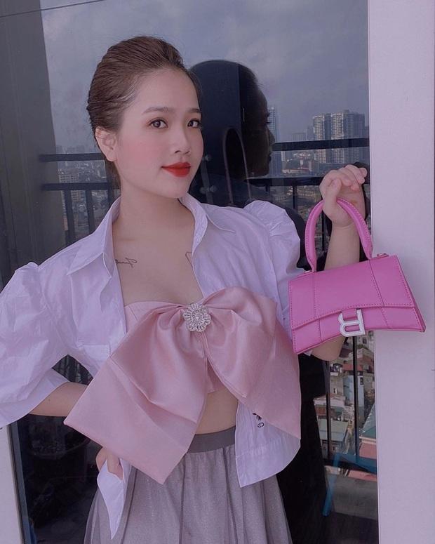 Là chủ tiệm nail nhưng bạn gái tin đồn của Quang Hải lại toàn sơn móng màu nude, thậm chí còn để nail mộc không sơn vẽ - Ảnh 4.