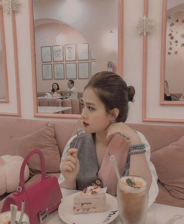 Là chủ tiệm nail nhưng bạn gái tin đồn của Quang Hải lại toàn sơn móng màu nude, thậm chí còn để nail mộc không sơn vẽ - Ảnh 5.