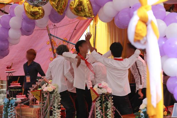 Sự thật đám cưới gây xôn xao của cặp đôi cô dâu 15 tuổi và chú rể 17 tuổi ở Nghệ An - Ảnh 4.