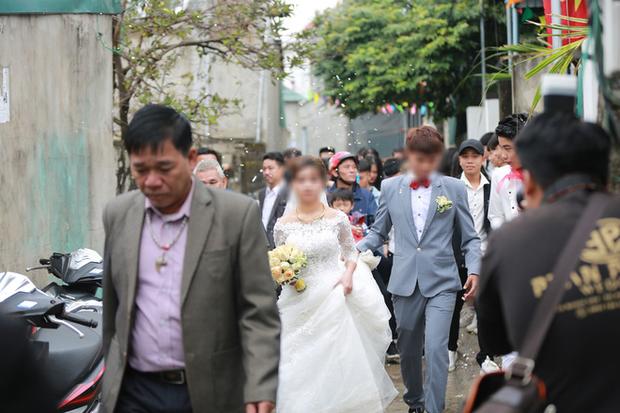 Sự thật đám cưới gây xôn xao của cặp đôi cô dâu 15 tuổi và chú rể 17 tuổi ở Nghệ An - Ảnh 1.