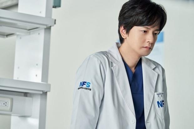 The Game Towards Zero: Phim trinh thám bánh cuốn, Taecyeon đẹp hút hồn nhưng Lee Yeon Hee vẫn đơ như tượng - Ảnh 8.