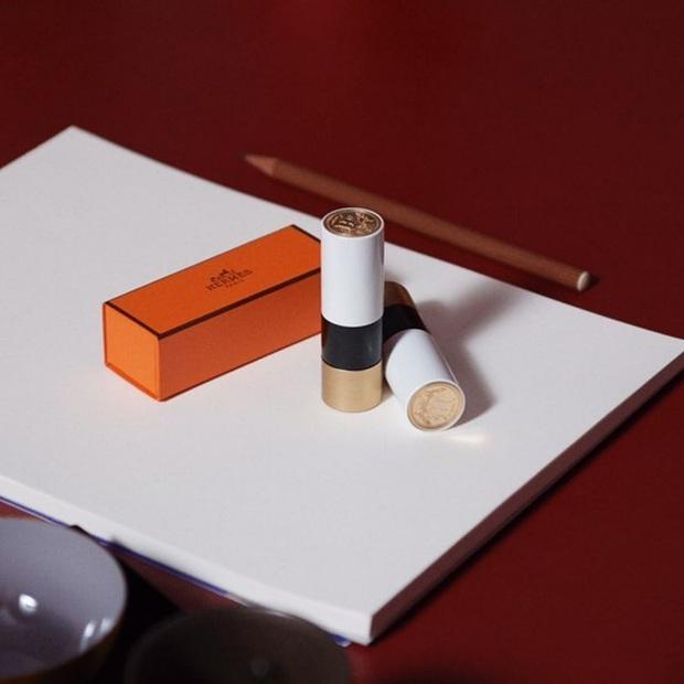 HOT: Hermès ra son môi vỏ cute vô đối, 24 màu thơm xịn nhưng quan trọng là giá cả hoàn toàn trong tầm với - Ảnh 4.