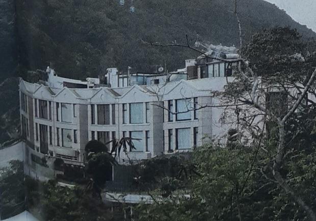 Chuyện nhà đại gia: Mẹ chồng xuống tay 1600 tỷ mua siêu biệt thự tặng 2 vợ chồng Ming Xi, giá mỗi mét vuông gây sốc - Ảnh 3.