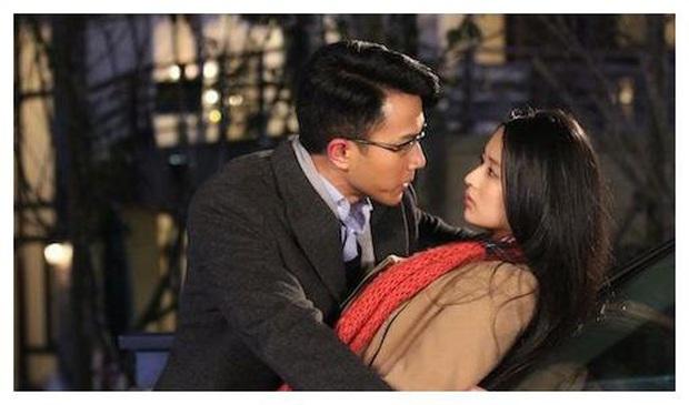 Uẩn khúc Cbiz: Lưu Khải Uy cưới vội vì Dương Mịch mang thai ngoài ý muốn, đối tượng kết hôn hóa ra là bạn diễn xinh đẹp - Ảnh 5.