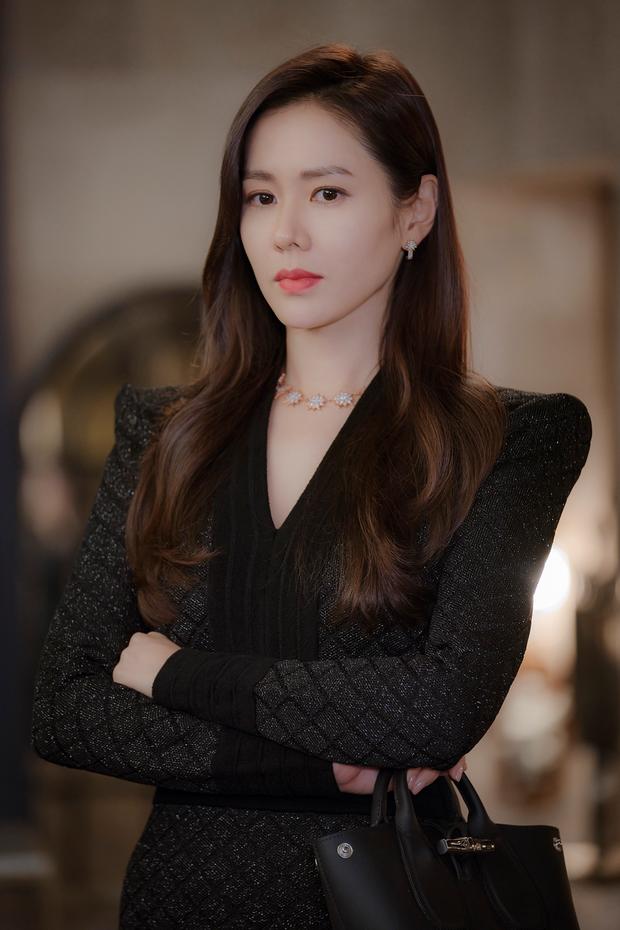 Muốn sanh chảnh như Son Ye Jin không khó: Chính là sắc son hồng phai làm nên nhan sắc đỉnh cao của chị đẹp - Ảnh 2.