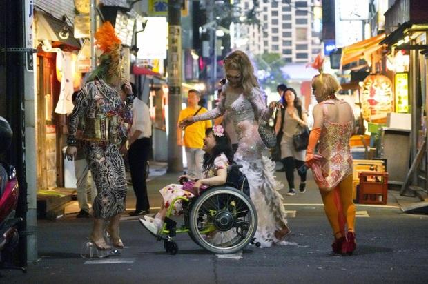 Review 37 Seconds: Tình yêu, tình dục, tình thân và những góc nhìn mới mẻ đầy nghệ thuật về tâm tư người khuyết tật - Ảnh 3.