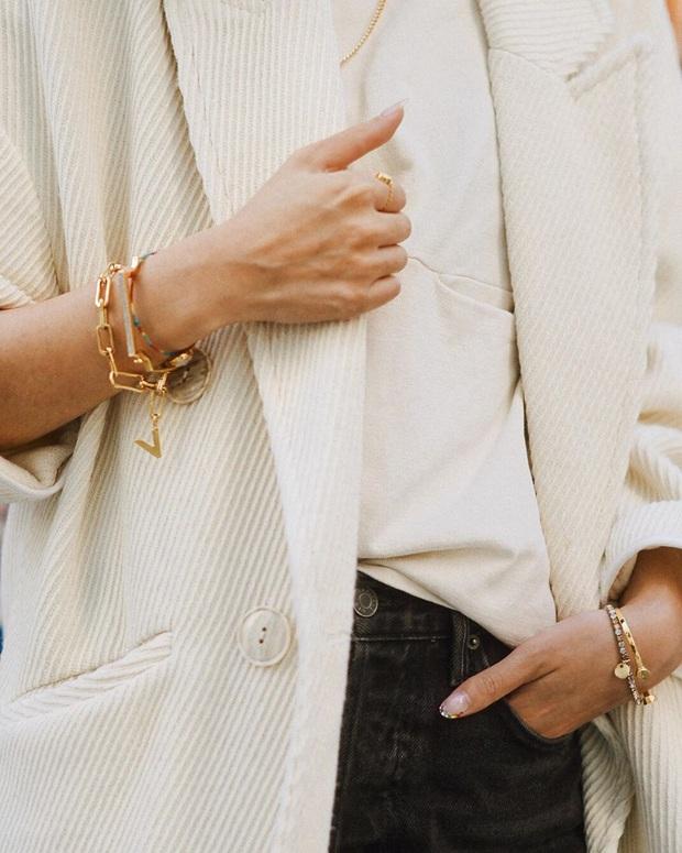 Lời khuyên từ chuyên gia thời trang: Chưa cần sắm hàng hiệu đắt đỏ, 4 item này vẫn giúp điểm sang chảnh của bạn tăng vù vù - Ảnh 16.