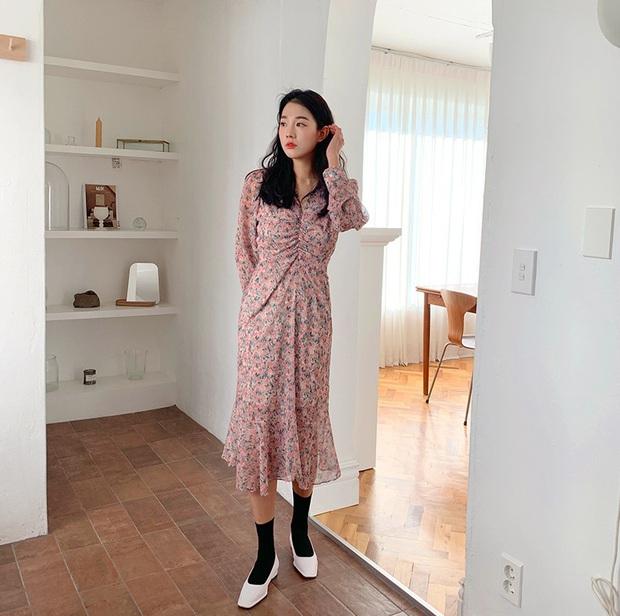 3 kiểu váy hoa xinh xắn quá mức quy định con gái Sài thành nên sắm ngay để còn chụp hình sống ảo - Ảnh 3.