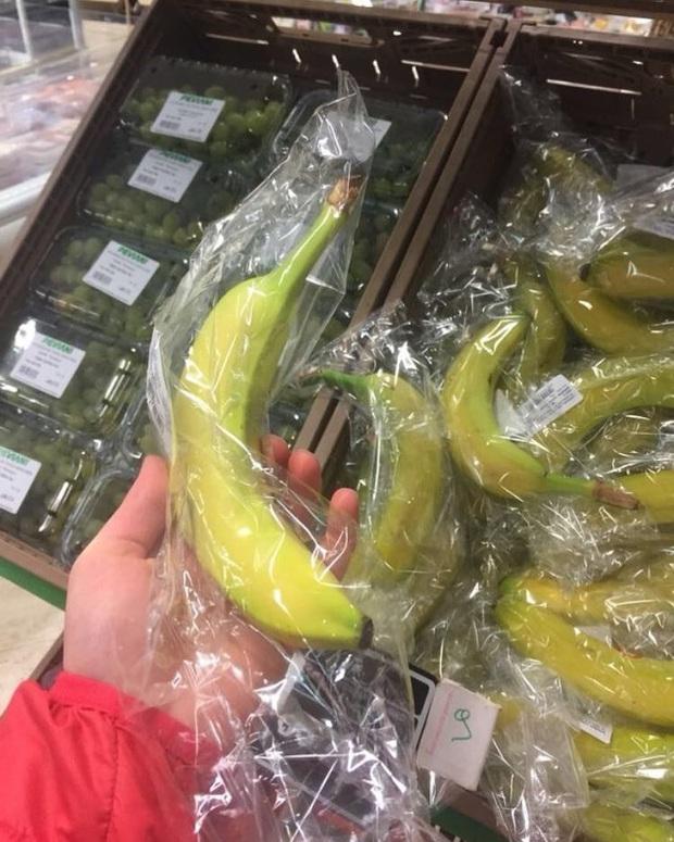 """Thế giới chưa đủ rác thải nhựa hay sao mà những siêu thị này cứ thích đóng gói đồ ăn theo kiểu """"tạo nghiệp"""" với môi trường? - Ảnh 2."""