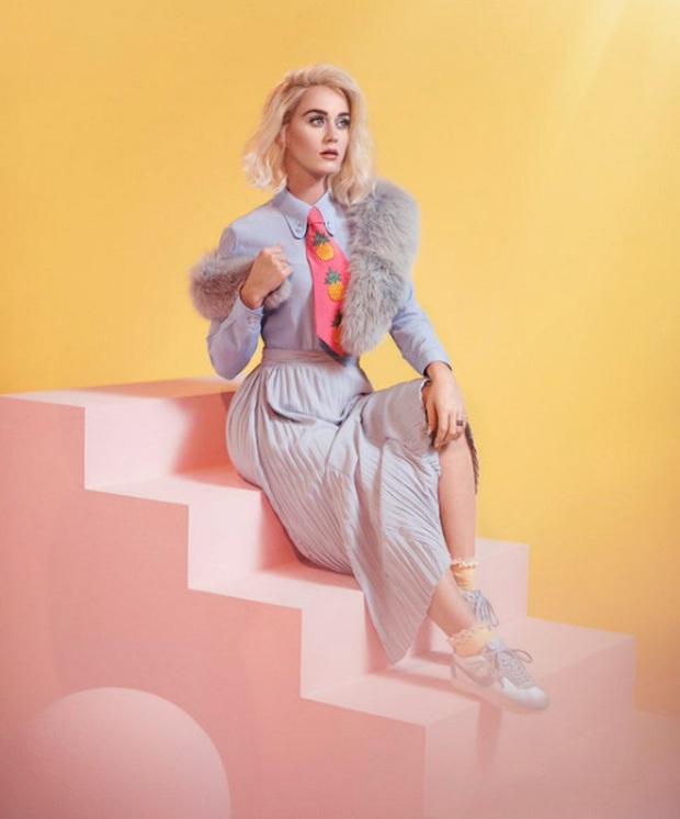 Taylor Swift từng viết nhạc động chạm LGBT, Katy Perry ghét I Kissed A Girl, Miley Cyrus muốn xoá bỏ Wrecking Ball và loạt bài hát bị chính chủ nhân ghẻ lạnh - Ảnh 4.