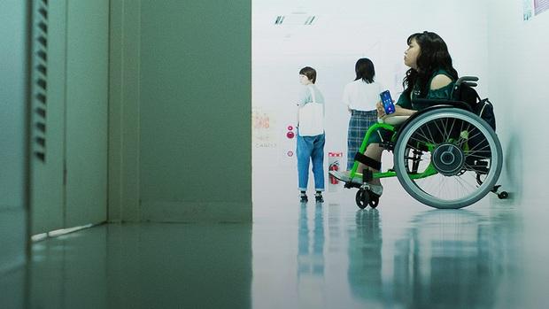 Review 37 Seconds: Tình yêu, tình dục, tình thân và những góc nhìn mới mẻ đầy nghệ thuật về tâm tư người khuyết tật - Ảnh 10.
