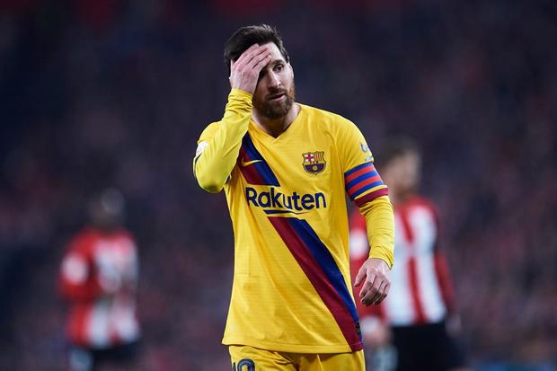 Trong một ngày như bị ám, cả hai ông lớn Barca và Real đều gục ngã và tan tành giấc mơ giành cú ăn ba danh giá mùa này
