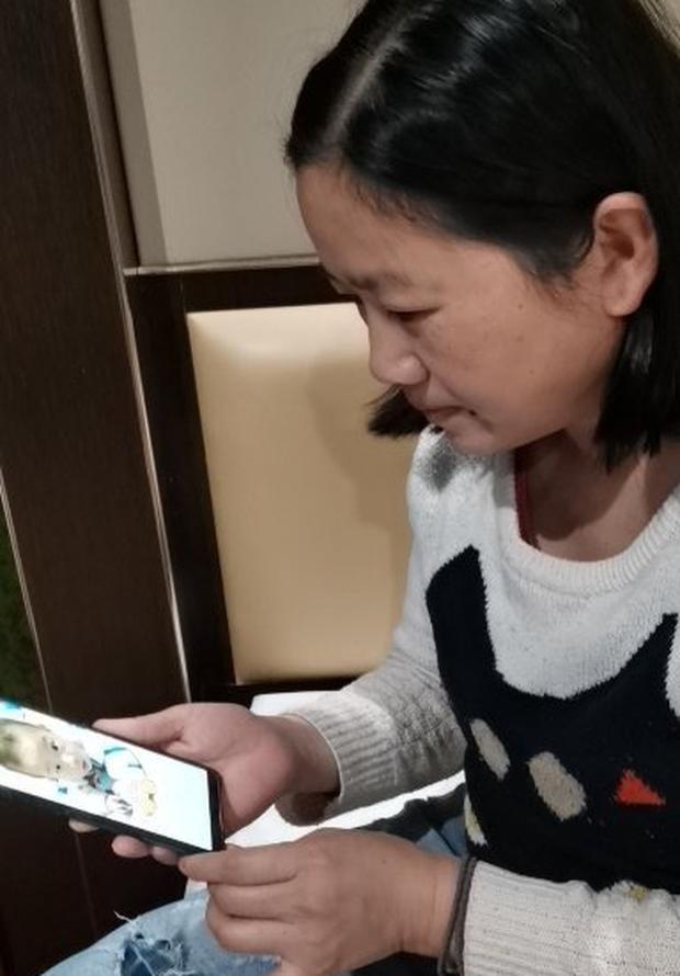 Những người mẹ đẹp nhất: 7 nữ y tá Vũ Hán cùng uống thuốc cai sữa để tập trung chiến đấu với virus corona - Ảnh 3.