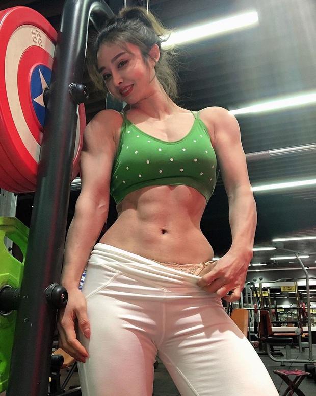 Nữ bác sĩ mặt thiên thần, body cơ bắp của Trung Quốc thông báo tin cực vui về virus corona, đã trở lại tập luyện sau thời gian tối mặt vì đại dịch - Ảnh 2.