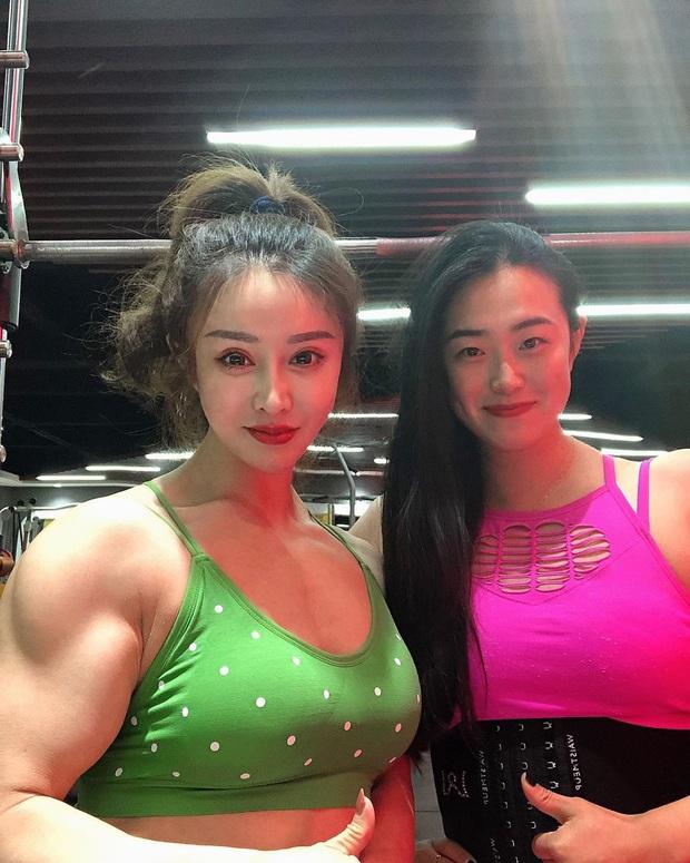 Nữ bác sĩ mặt thiên thần, body cơ bắp của Trung Quốc thông báo tin cực vui về virus corona, đã trở lại tập luyện sau thời gian tối mặt vì đại dịch - Ảnh 3.