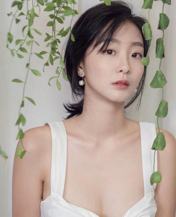 Dàn sao Itaewon Class: Park Seo Joon dính tin đồn yêu đồng tính, nữ thứ hot hơn cả nữ chính vì từng cặp kè Lee Jong Suk? - Ảnh 7.