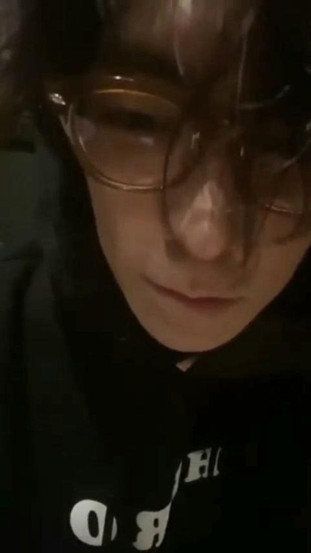 T.O.P (BIGBANG) livestream với bộ dạng tiều tụy, tuyên bố chấn động: Tôi sẽ không comeback ở Hàn. Họ thật đáng sợ - Ảnh 2.