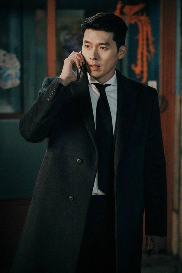 Ngã quỵ vì trai đẹp là có thật: Được Hyun Bin xoa đầu, fangirl lúng túng trượt chân, khoảnh khắc gây sốt MXH - Ảnh 7.