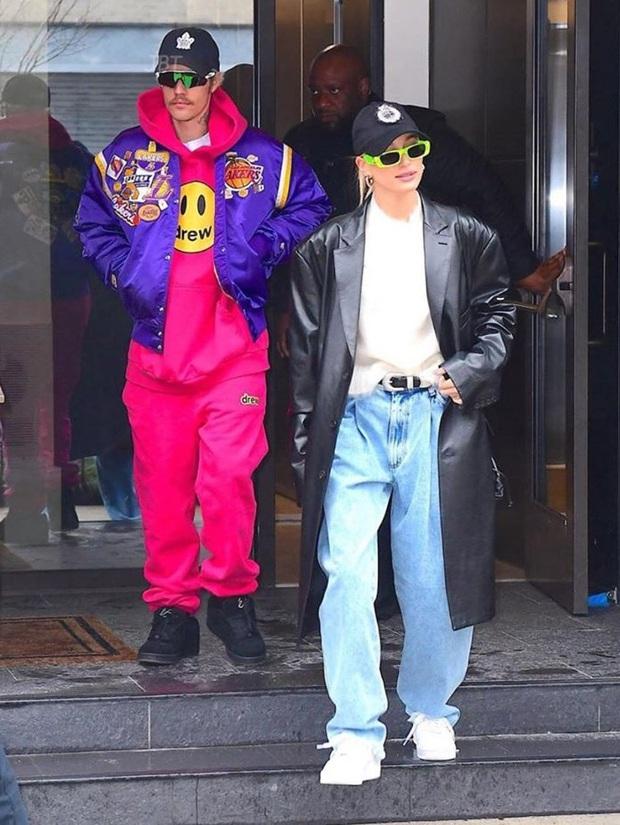 Tình cờ diện đồ màu hồng cùng một ngày: Selena Gomez xinh đẹp kiêu sa còn Justin Bieber lại gây nhức mắt - Ảnh 4.