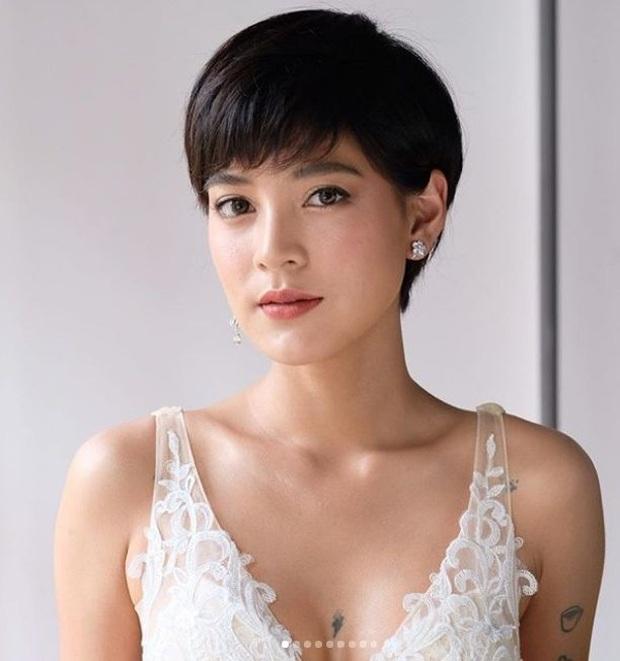 Trùm cuối #ADODDA của Hương Giang: Ngoại hình gây sốc, học vấn khủng, từ yêu tình cũ mỹ nhân Chiếc lá bay đến lễ cưới hot - Ảnh 18.