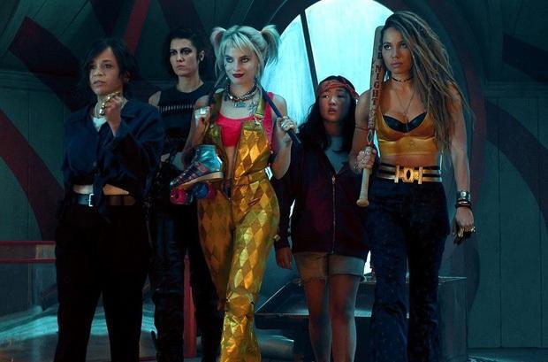 Phim rạp cuối tuần: Hội chị em lên ngôi, nữ quái phá hoại xóm làng Harley Quinn có cầm đầu phòng vé? - Ảnh 1.