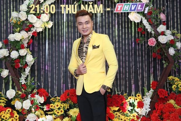 Thái Châu, Nguyên Vũ, Nam Cường... và hơn 30 nghệ sĩ đo nhiệt độ, rửa tay trong họp báo gameshow mới - Ảnh 15.
