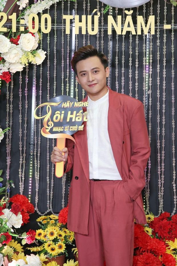 Thái Châu, Nguyên Vũ, Nam Cường... và hơn 30 nghệ sĩ đo nhiệt độ, rửa tay trong họp báo gameshow mới - Ảnh 16.