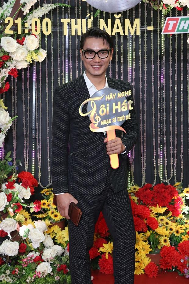 Thái Châu, Nguyên Vũ, Nam Cường... và hơn 30 nghệ sĩ đo nhiệt độ, rửa tay trong họp báo gameshow mới - Ảnh 11.