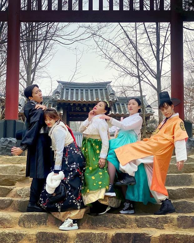 """Sao Việt chăm chỉ làm vlog du lịch nhất gọi tên Trấn Thành - Hari: trong cùng 1 ngày ở Hàn Quốc, cùng 1 bộ trang phục mà """"đẻ"""" ra tận 6 video! - Ảnh 16."""