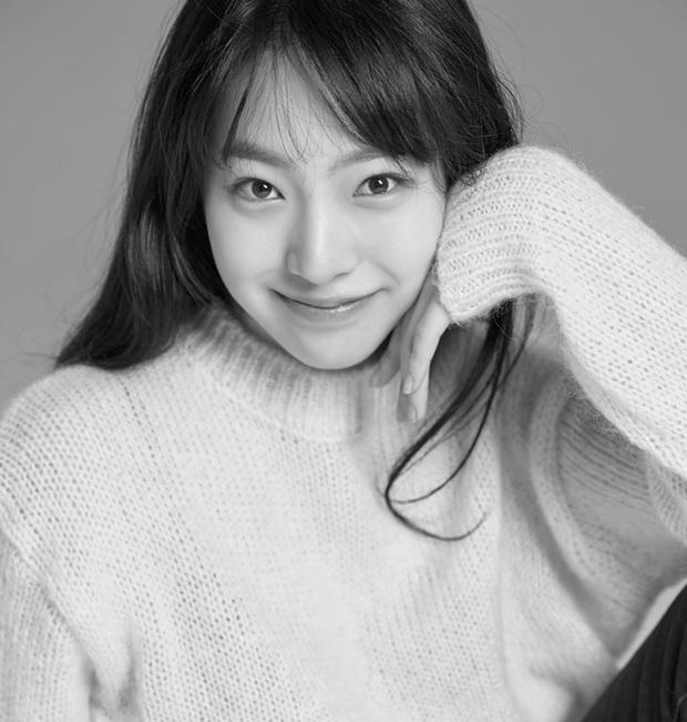 Rần rần con gái của mỹ nhân Huyền thoại biển xanh: Nhan sắc lạ, người mẫu thành diễn viên, giờ con gia nhập cả YG - Ảnh 6.