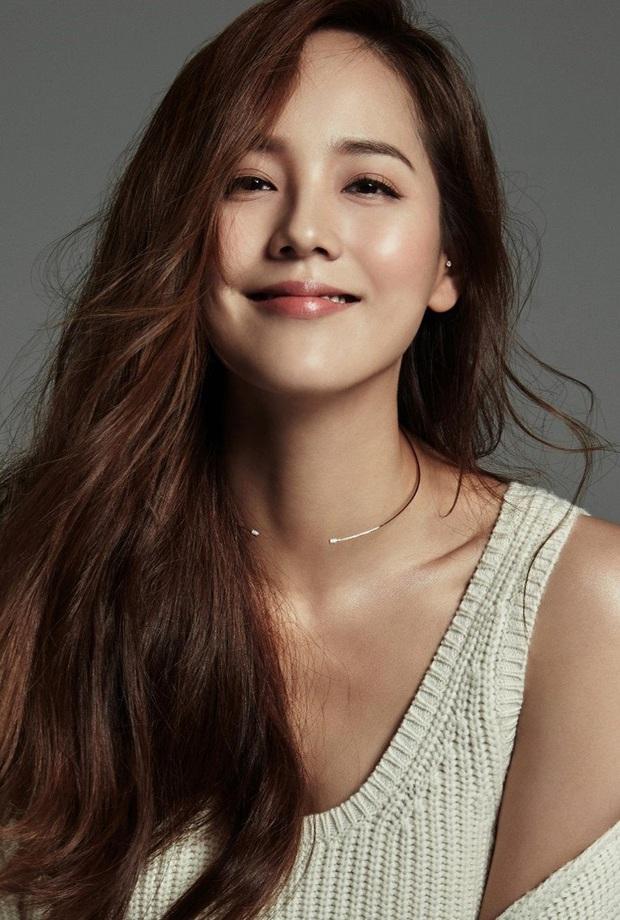 5 huyền thoại nhan sắc của ông lớn SM: Yoona, Irene còn phải e dè vì Sulli, nhưng 2 diễn viên đứng đầu mới là đỉnh cao - Ảnh 3.