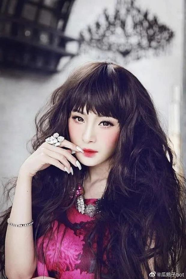Dương Mịch có 1 bộ ảnh ít ai biết từ thuở xa lắc, tóc búp bê, trang điểm đậm hoàn toàn khác diện mạo như bây giờ - Ảnh 5.