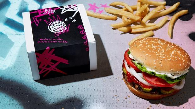 Burger King xuất chiêu độc trong dịp Valentine: mang hình người yêu cũ đến có thể đổi được một chiếc Whopper - Ảnh 1.