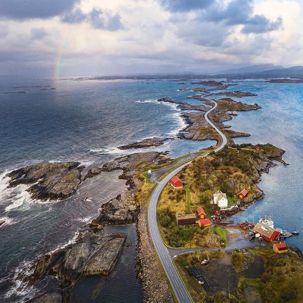 """Chiêm ngưỡng cung đường vượt biển """"huyền thoại"""" đẹp nhất hành tinh ở Na Uy, ước mơ trong đời của biết bao phượt thủ thế giới - Ảnh 9."""