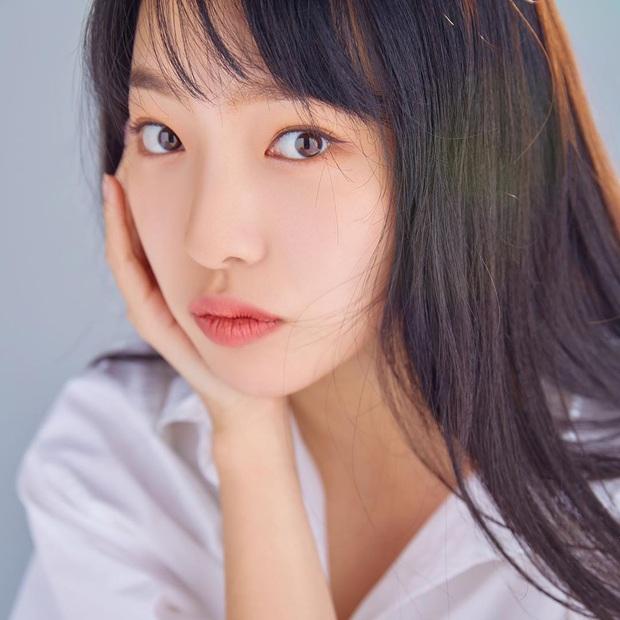 Rần rần con gái của mỹ nhân Huyền thoại biển xanh: Nhan sắc lạ, người mẫu thành diễn viên, giờ con gia nhập cả YG - Ảnh 5.