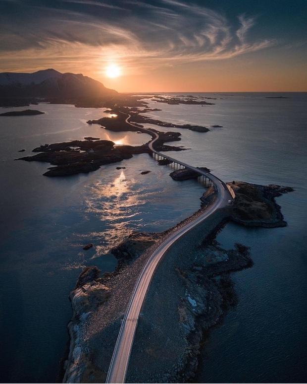 """Chiêm ngưỡng cung đường vượt biển """"huyền thoại"""" đẹp nhất hành tinh ở Na Uy, ước mơ trong đời của biết bao phượt thủ thế giới - Ảnh 19."""